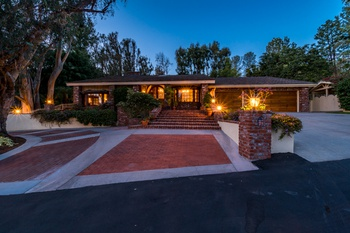 Private Traditional Home- North Tustin
